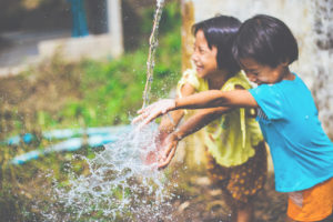 Children playing with water: CMC